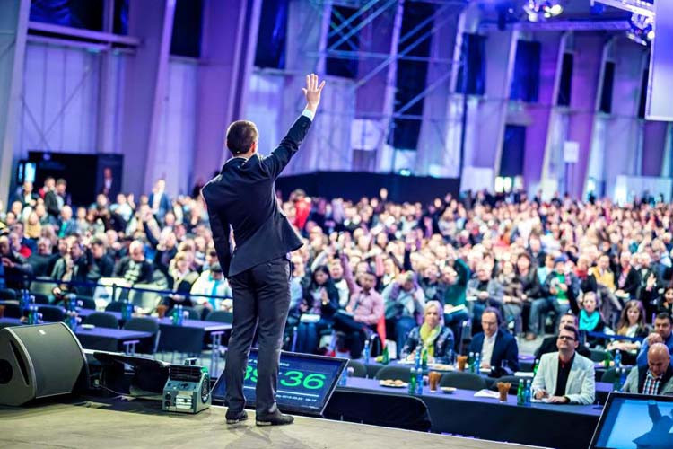 Andy Harrington – Motivating Millions in Amsterdam